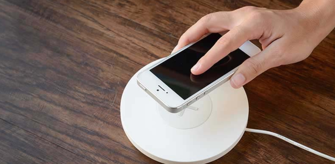 Energix Wirelessly Charge Any Smartphone