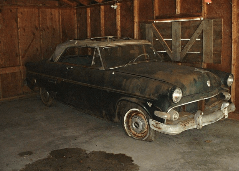 20. 1954 Ford Sunliner