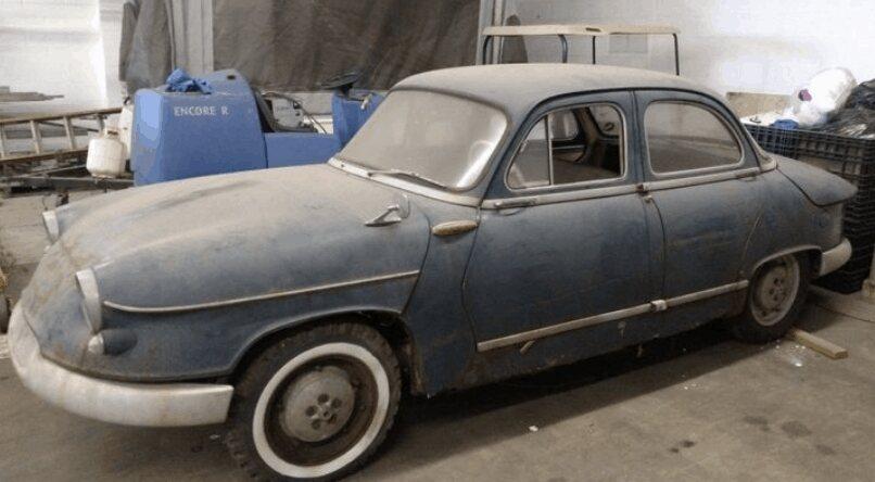 18. 1960 Panhard PL17